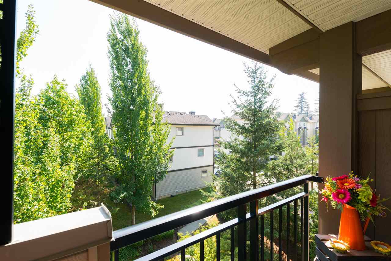 "Photo 10: Photos: 406 10088 148 Street in Surrey: Guildford Condo for sale in ""Bloomsbury Court"" (North Surrey)  : MLS®# R2384343"