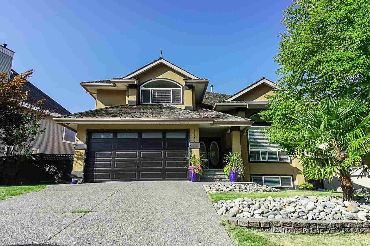 "Main Photo: 16917 FRIESIAN Drive in Surrey: Cloverdale BC House for sale in ""Richardson Ridge"" (Cloverdale)  : MLS®# R2395492"