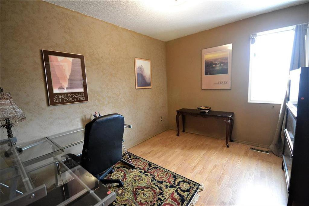 Photo 11: Photos: 108 Apple Hill Road in Winnipeg: Whyte Ridge Residential for sale (1P)  : MLS®# 202005014