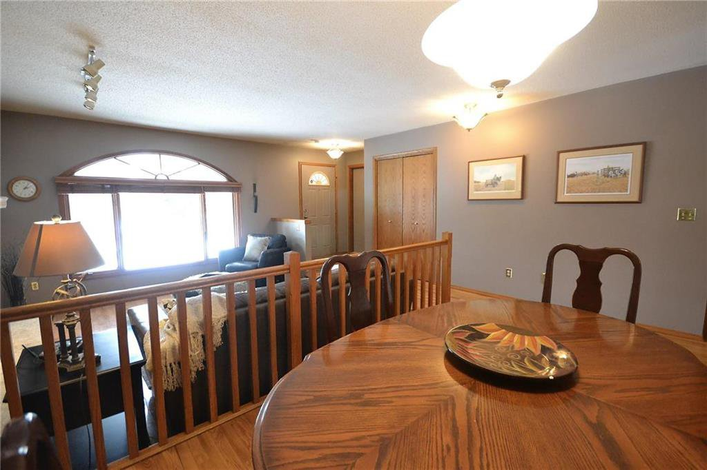 Photo 5: Photos: 108 Apple Hill Road in Winnipeg: Whyte Ridge Residential for sale (1P)  : MLS®# 202005014