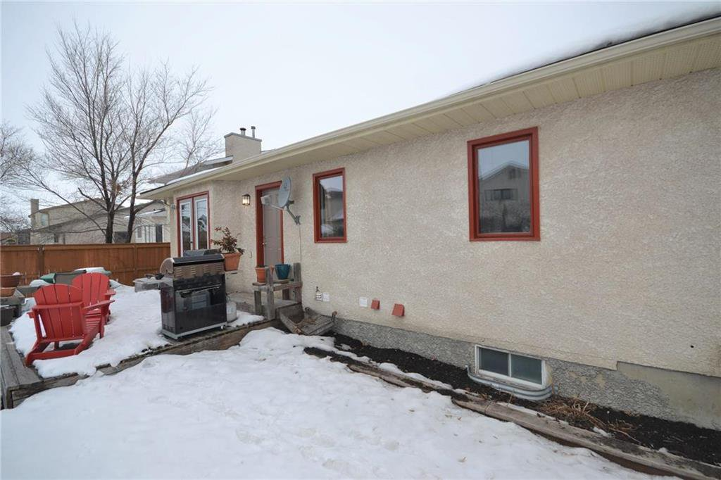 Photo 20: Photos: 108 Apple Hill Road in Winnipeg: Whyte Ridge Residential for sale (1P)  : MLS®# 202005014