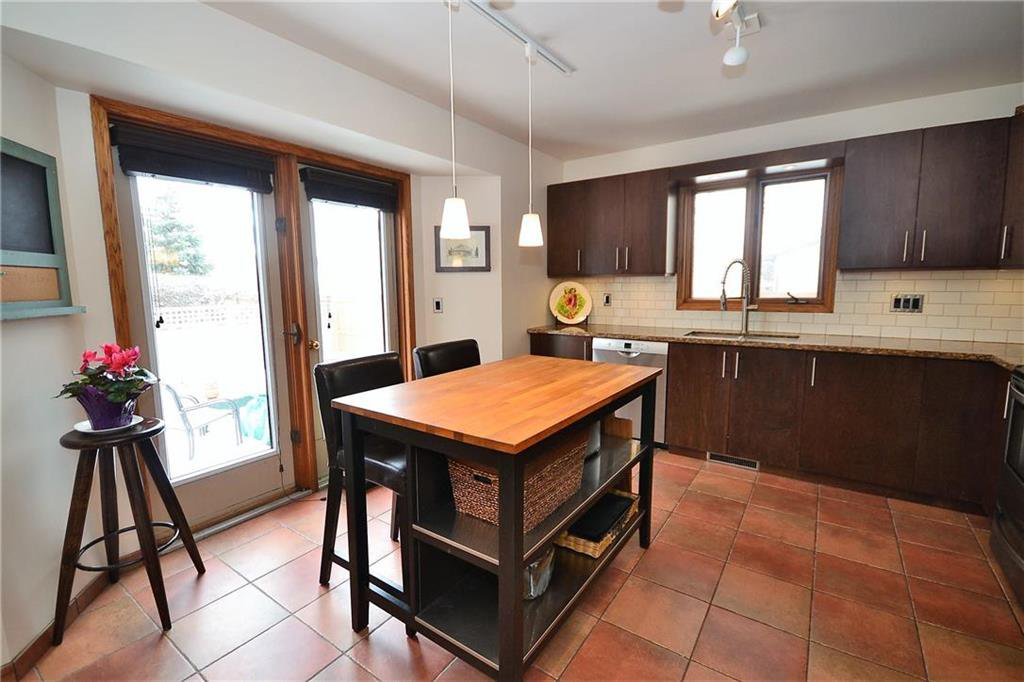 Photo 6: Photos: 108 Apple Hill Road in Winnipeg: Whyte Ridge Residential for sale (1P)  : MLS®# 202005014