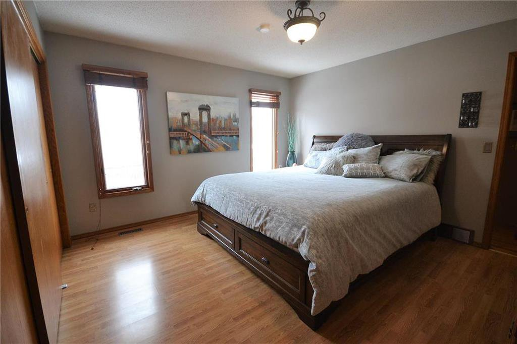 Photo 9: Photos: 108 Apple Hill Road in Winnipeg: Whyte Ridge Residential for sale (1P)  : MLS®# 202005014