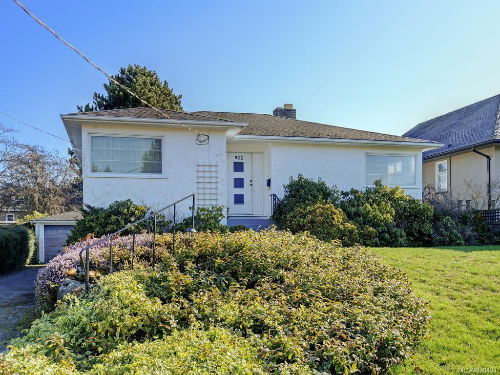 Main Photo: 905 Lawndale Ave in Victoria: Vi Fairfield East Single Family Detached for sale : MLS®# 838494