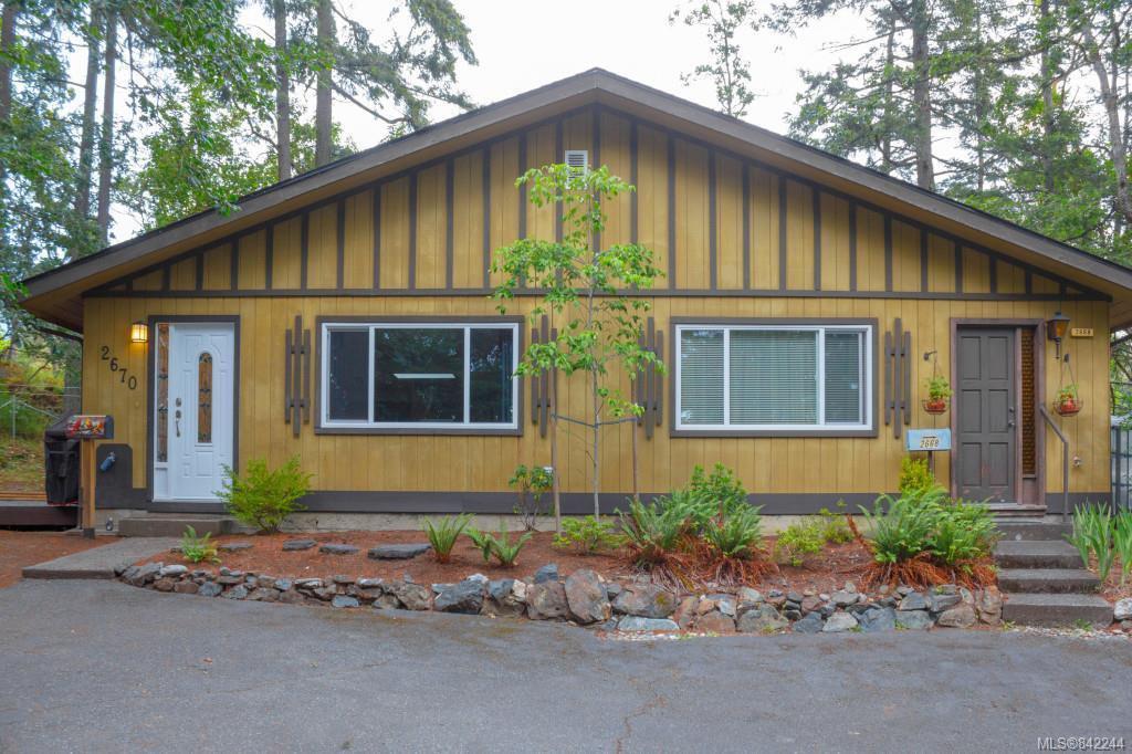 Main Photo: 2670 Selwyn Rd in Langford: La Atkins Half Duplex for sale : MLS®# 842244