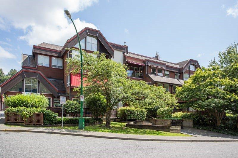 Main Photo: 310 3721 DELBROOK Avenue in North Vancouver: Upper Delbrook Condo for sale : MLS®# R2505826