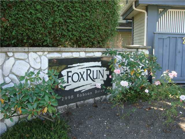 "Main Photo: 108 2998 ROBSON Drive in Coquitlam: Westwood Plateau Townhouse for sale in ""FOX RUN"" : MLS®# V927478"