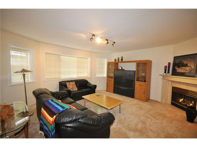 Photo 7: Photos: 2740 Nadina Drive in Coquitlam: Coquitlam East House for sale : MLS®# V884908