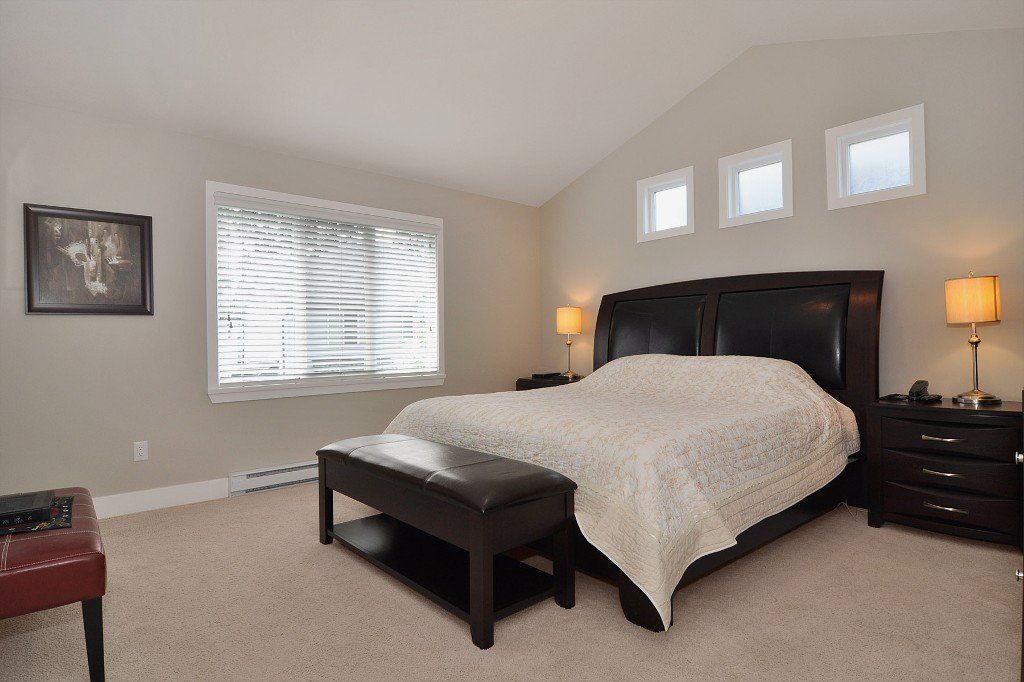 Photo 6: Photos: 15052 59 Avenue in Surrey: House for sale : MLS®# F1308656