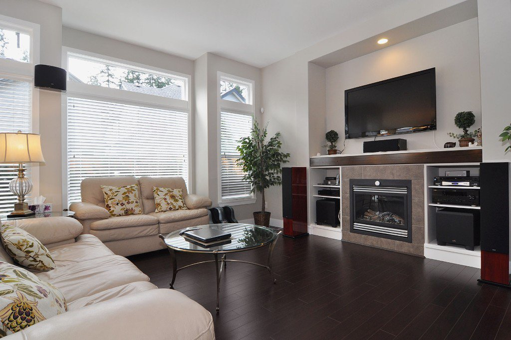 Photo 4: Photos: 15052 59 Avenue in Surrey: House for sale : MLS®# F1308656