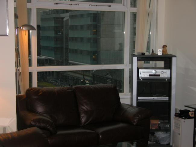 Photo 3: Photos: 809 438 Seymour St in Vancouver: Downtown Home for sale ()  : MLS®# V641372