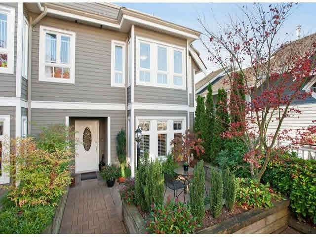 "Main Photo: 5 235 E 11TH Street in North Vancouver: Central Lonsdale Townhouse for sale in ""Fairview Court"" : MLS®# V1094152"