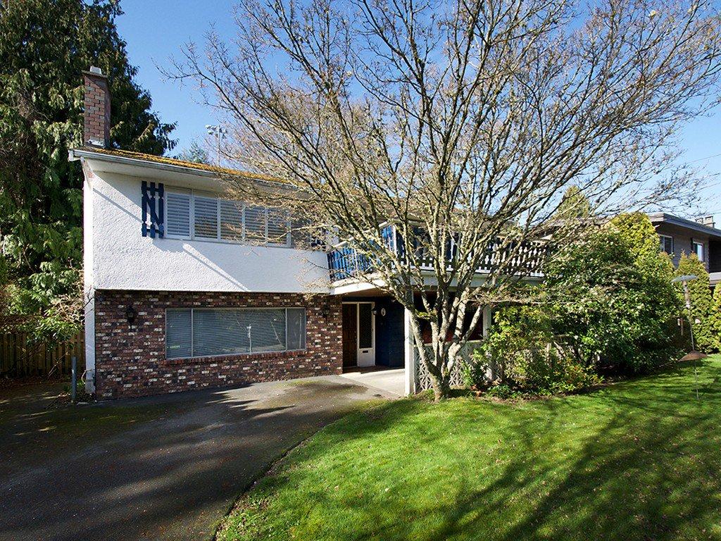 "Main Photo: 5191 WINSKILL Drive in Tsawwassen: Cliff Drive House for sale in ""Cliff Drive"" : MLS®# V1108225"