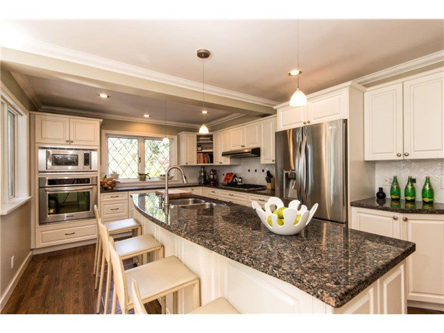 """Photo 7: Photos: 4084 ST. MARYS Avenue in North Vancouver: Upper Lonsdale House for sale in """"VIPER LONSDALE"""" : MLS®# V1122207"""