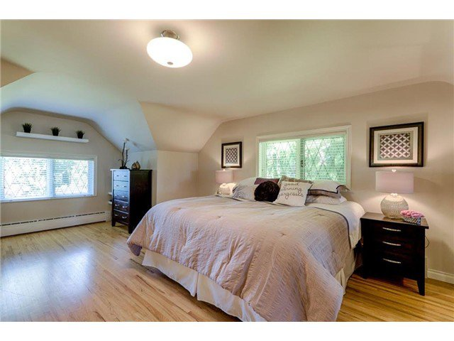 """Photo 10: Photos: 4084 ST. MARYS Avenue in North Vancouver: Upper Lonsdale House for sale in """"VIPER LONSDALE"""" : MLS®# V1122207"""