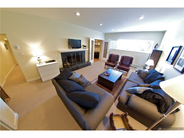 """Photo 14: Photos: 4084 ST. MARYS Avenue in North Vancouver: Upper Lonsdale House for sale in """"VIPER LONSDALE"""" : MLS®# V1122207"""