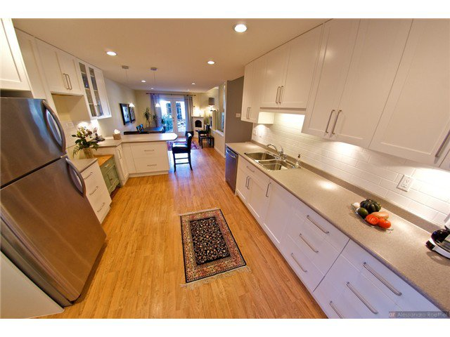 """Photo 16: Photos: 4084 ST. MARYS Avenue in North Vancouver: Upper Lonsdale House for sale in """"VIPER LONSDALE"""" : MLS®# V1122207"""