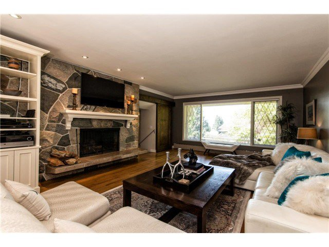 """Photo 9: Photos: 4084 ST. MARYS Avenue in North Vancouver: Upper Lonsdale House for sale in """"VIPER LONSDALE"""" : MLS®# V1122207"""