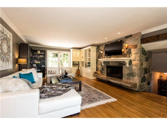"""Photo 3: Photos: 4084 ST. MARYS Avenue in North Vancouver: Upper Lonsdale House for sale in """"VIPER LONSDALE"""" : MLS®# V1122207"""