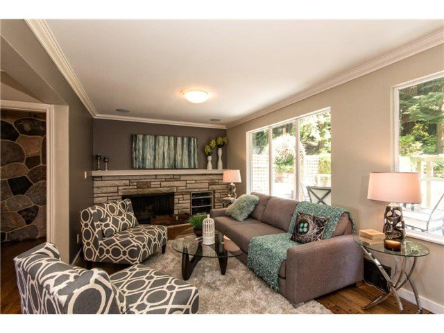 """Photo 5: Photos: 4084 ST. MARYS Avenue in North Vancouver: Upper Lonsdale House for sale in """"VIPER LONSDALE"""" : MLS®# V1122207"""