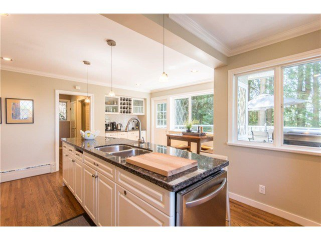 """Photo 8: Photos: 4084 ST. MARYS Avenue in North Vancouver: Upper Lonsdale House for sale in """"VIPER LONSDALE"""" : MLS®# V1122207"""
