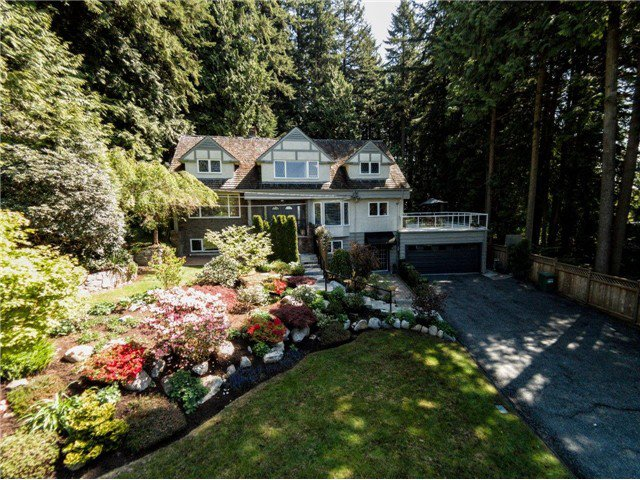 """Photo 11: Photos: 4084 ST. MARYS Avenue in North Vancouver: Upper Lonsdale House for sale in """"VIPER LONSDALE"""" : MLS®# V1122207"""
