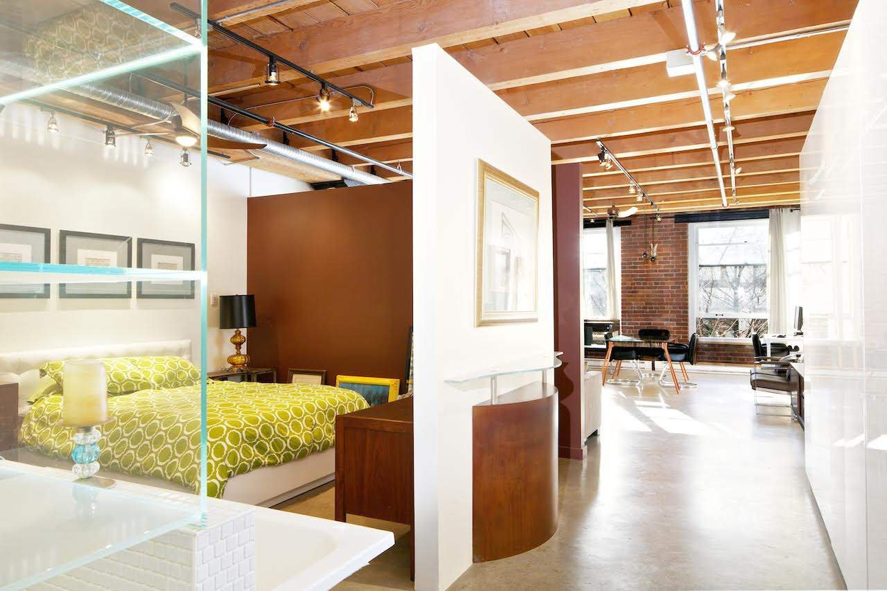 Welcome to where style meets a balance with the ultimate live/work loft in historic Gastown. 962 sqft of gorgeous loft space that feels cozy, warm, sleek and chic at the same time. A unique space you will love when you first walk in.