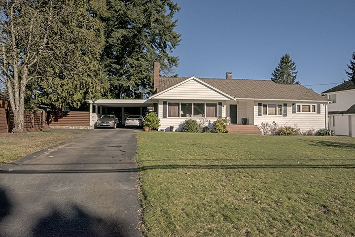 Main Photo: 1517 REGAN Avenue in Coquitlam: Central Coquitlam House for sale : MLS®# R2038756