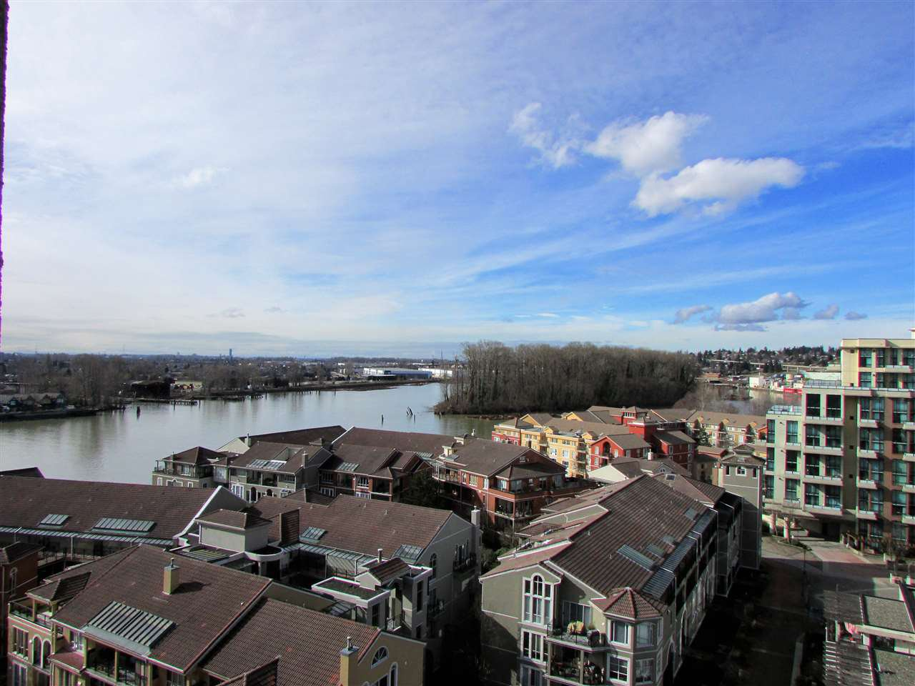 "Main Photo: 1207 10 LAGUNA Court in New Westminster: Quay Condo for sale in ""Laguna Landing"" : MLS®# R2140406"
