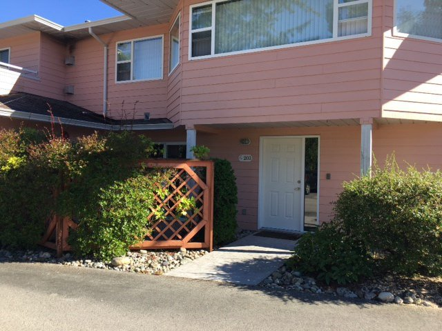 "Photo 9: Photos: 203 1585 FIELD Road in Sechelt: Sechelt District Townhouse for sale in ""PORT STALASHEN"" (Sunshine Coast)  : MLS®# R2178759"