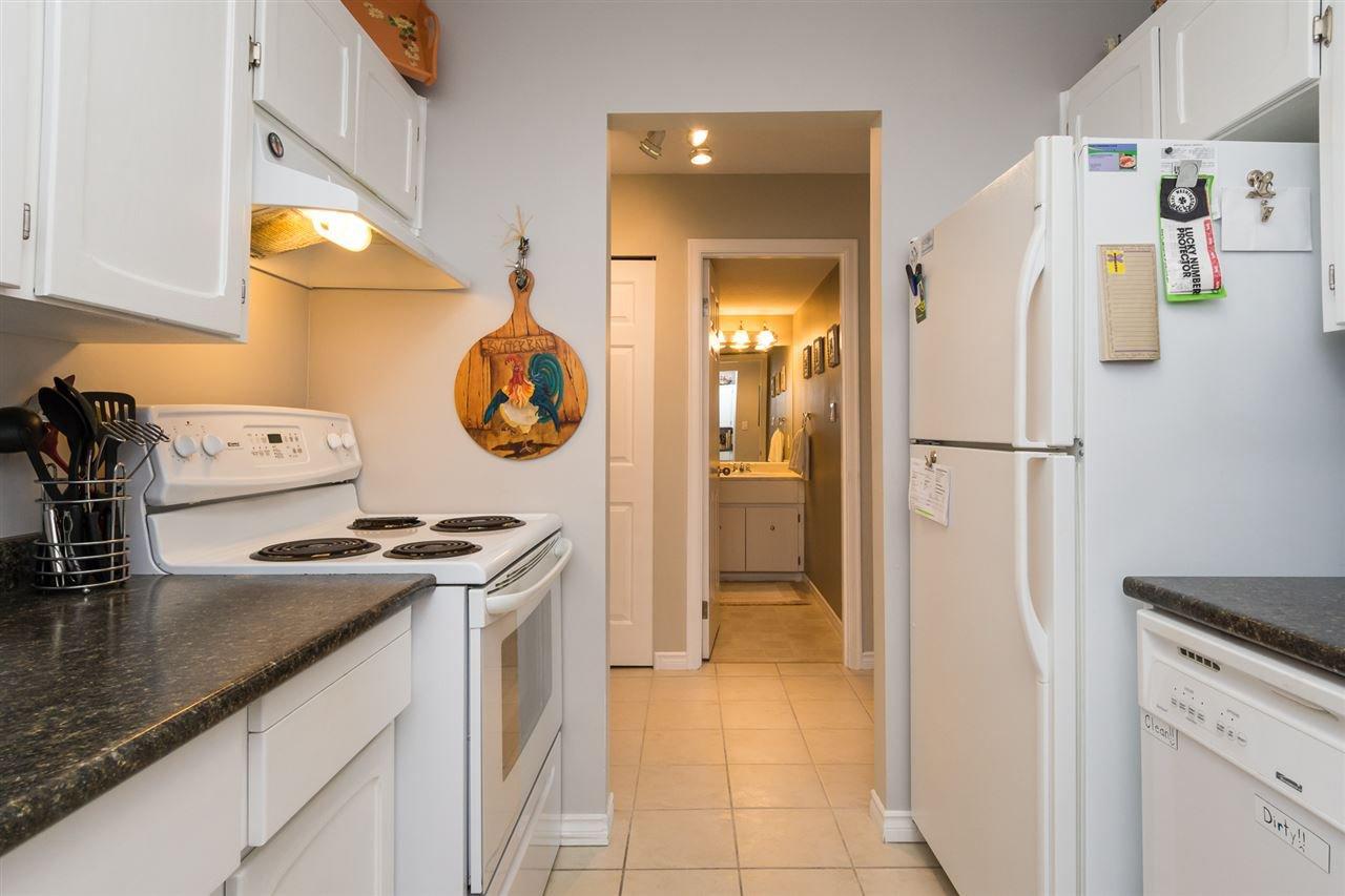 "Photo 10: Photos: 107 1354 WINTER Street: White Rock Condo for sale in ""Winter Estates"" (South Surrey White Rock)  : MLS®# R2189946"