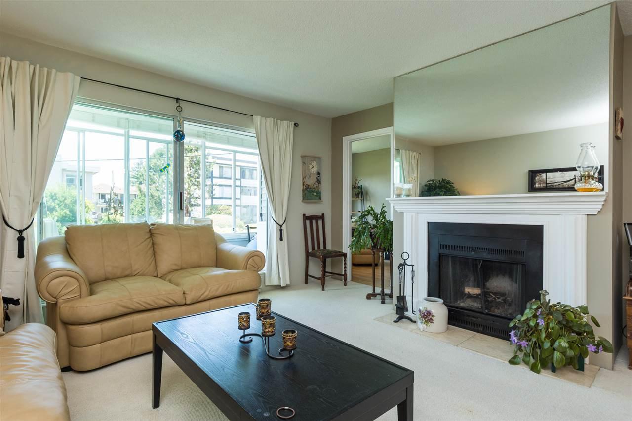 "Photo 8: Photos: 107 1354 WINTER Street: White Rock Condo for sale in ""Winter Estates"" (South Surrey White Rock)  : MLS®# R2189946"