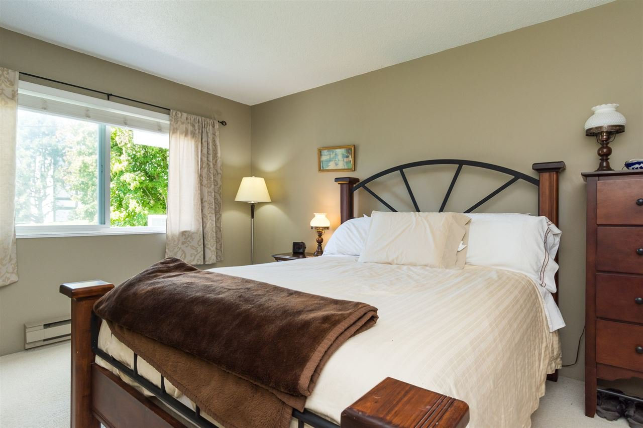 "Photo 12: Photos: 107 1354 WINTER Street: White Rock Condo for sale in ""Winter Estates"" (South Surrey White Rock)  : MLS®# R2189946"