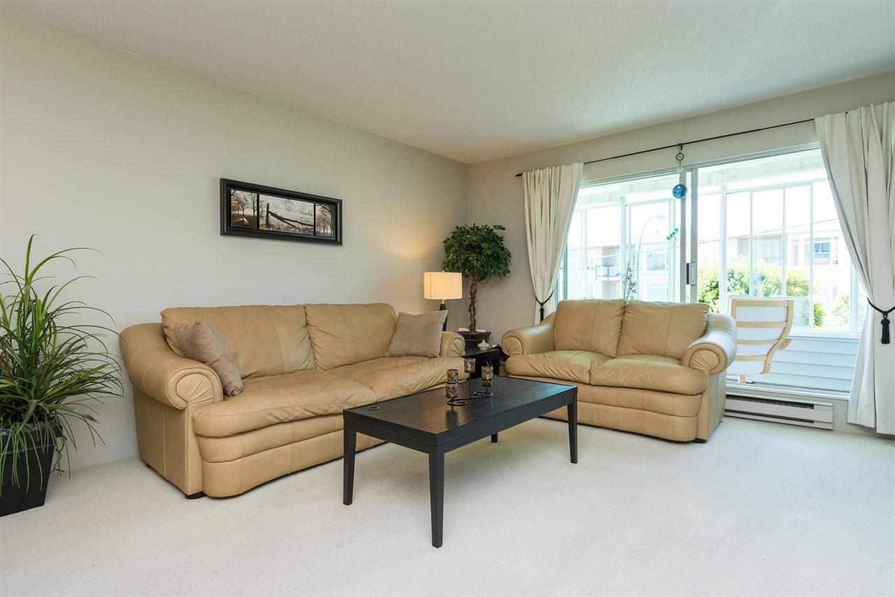 "Photo 5: Photos: 107 1354 WINTER Street: White Rock Condo for sale in ""Winter Estates"" (South Surrey White Rock)  : MLS®# R2189946"