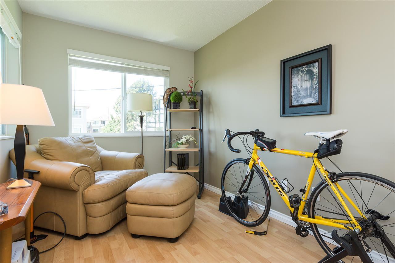 "Photo 16: Photos: 107 1354 WINTER Street: White Rock Condo for sale in ""Winter Estates"" (South Surrey White Rock)  : MLS®# R2189946"