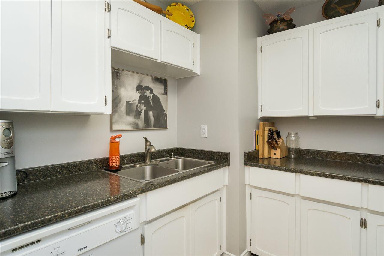 "Photo 11: Photos: 107 1354 WINTER Street: White Rock Condo for sale in ""Winter Estates"" (South Surrey White Rock)  : MLS®# R2189946"