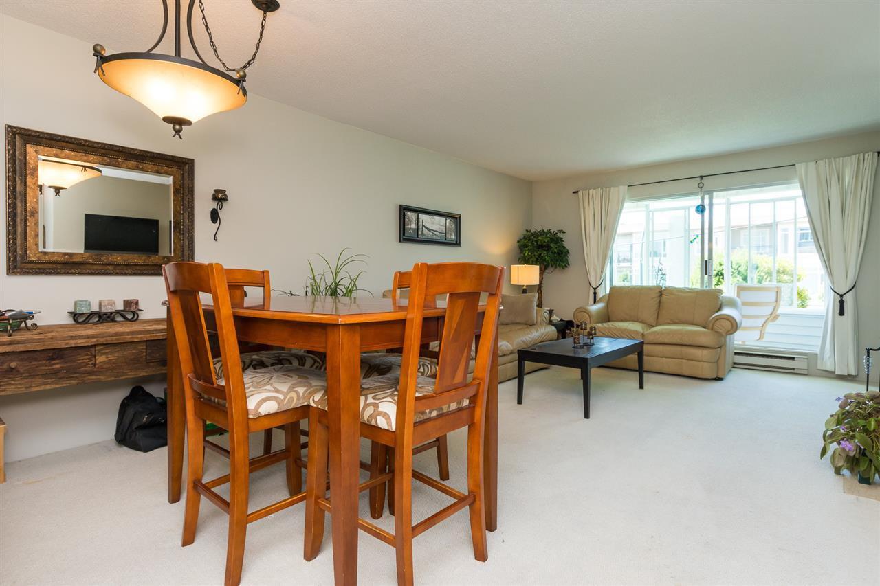 "Photo 3: Photos: 107 1354 WINTER Street: White Rock Condo for sale in ""Winter Estates"" (South Surrey White Rock)  : MLS®# R2189946"