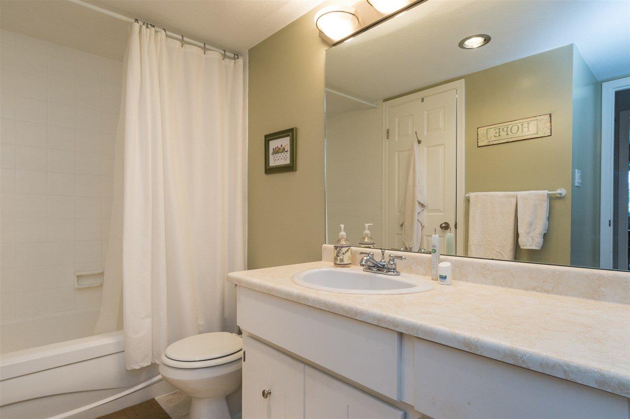 "Photo 15: Photos: 107 1354 WINTER Street: White Rock Condo for sale in ""Winter Estates"" (South Surrey White Rock)  : MLS®# R2189946"