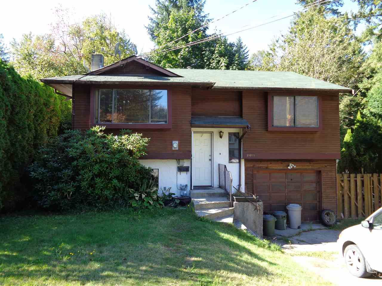 Main Photo: 21091 LAKEVIEW Crescent in Hope: Hope Kawkawa Lake House for sale : MLS®# R2211612