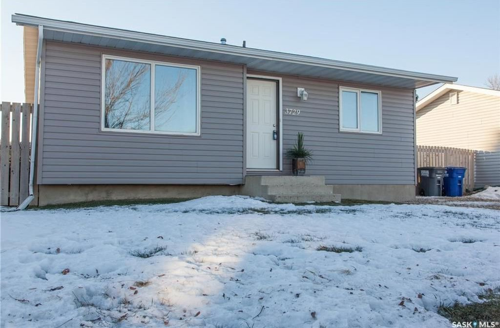 Main Photo: 3729 33rd Street West in Saskatoon: Confederation Park Residential for sale : MLS®# SK714096