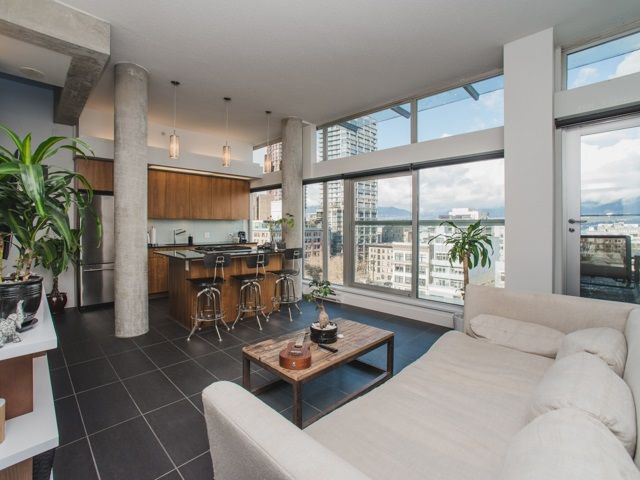 Main Photo: 902 33 W PENDER Street in Vancouver: Downtown VW Condo for sale (Vancouver West)  : MLS®# R2234015