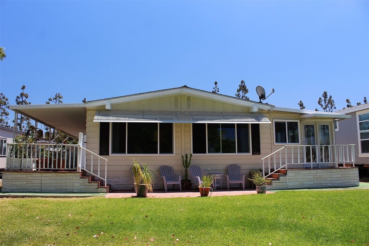 Main Photo: CARLSBAD SOUTH Manufactured Home for sale : 2 bedrooms : 7335 San Bartolo in Carlsbad