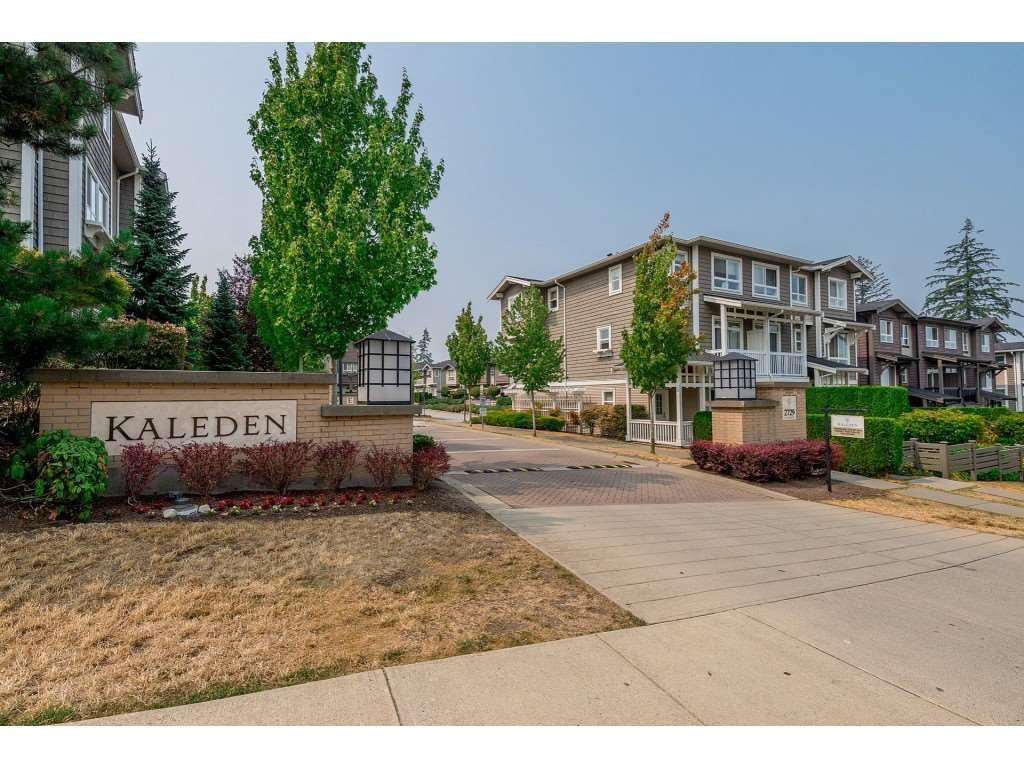"Main Photo: 96 2729 158 Street in Surrey: Grandview Surrey Townhouse for sale in ""The Kaleden"" (South Surrey White Rock)  : MLS®# R2338409"