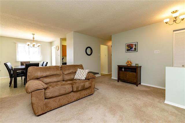 Photo 3: Photos: 140 Hazelwood Crescent in Winnipeg: Residential for sale (2E)  : MLS®# 1909650