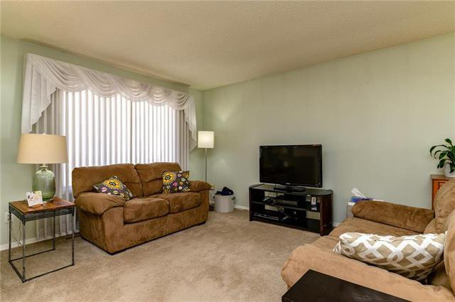 Photo 2: Photos: 140 Hazelwood Crescent in Winnipeg: Residential for sale (2E)  : MLS®# 1909650