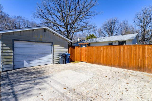 Photo 20: Photos: 140 Hazelwood Crescent in Winnipeg: Residential for sale (2E)  : MLS®# 1909650