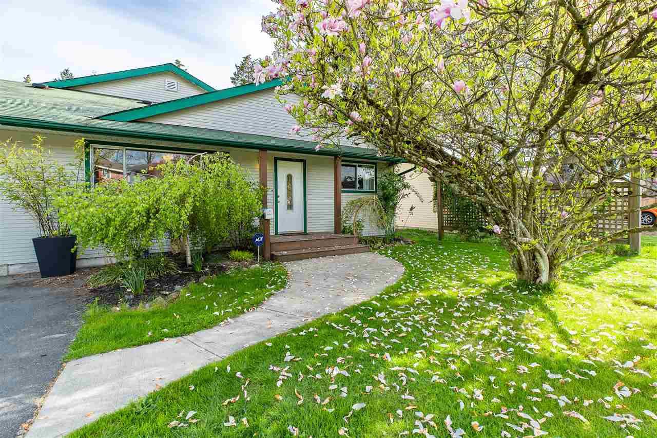"Main Photo: 14197 PARK Drive in Surrey: Bolivar Heights House for sale in ""Bolivar Heights"" (North Surrey)  : MLS®# R2363371"