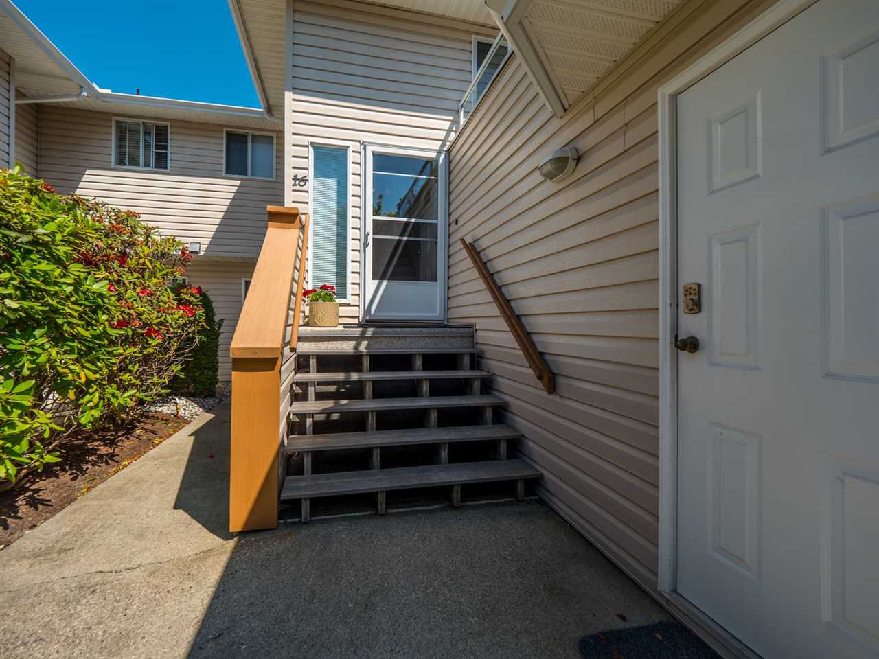 """Photo 19: Photos: 16 5630 TRAIL Avenue in Sechelt: Sechelt District Townhouse for sale in """"HIGHPOINT"""" (Sunshine Coast)  : MLS®# R2382780"""