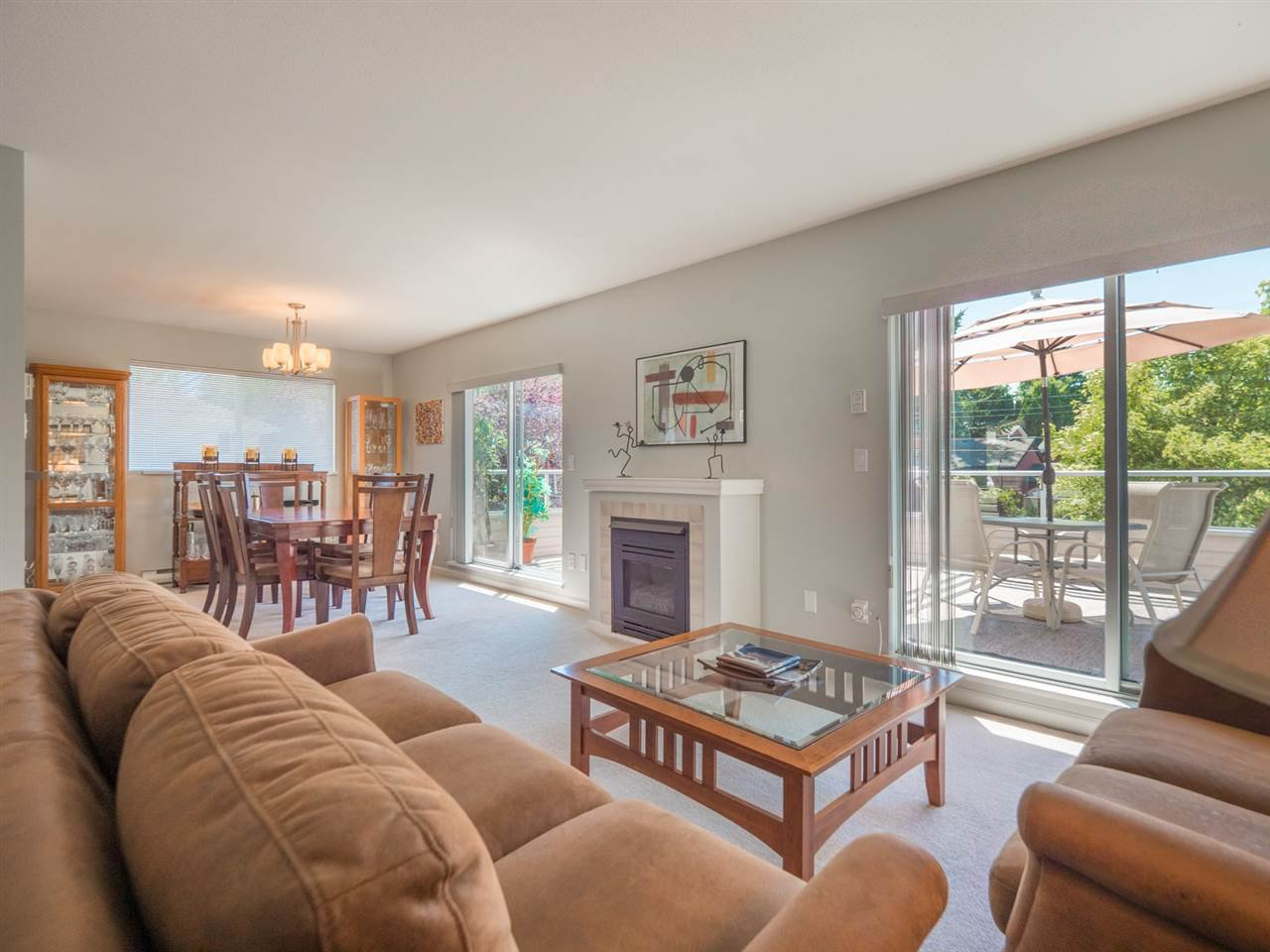 """Photo 4: Photos: 16 5630 TRAIL Avenue in Sechelt: Sechelt District Townhouse for sale in """"HIGHPOINT"""" (Sunshine Coast)  : MLS®# R2382780"""