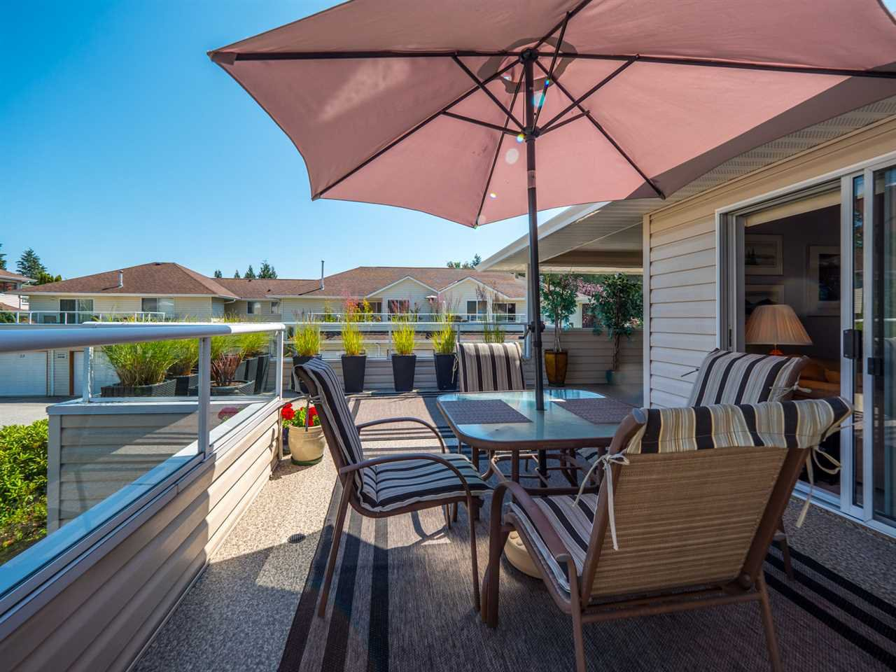 """Photo 15: Photos: 16 5630 TRAIL Avenue in Sechelt: Sechelt District Townhouse for sale in """"HIGHPOINT"""" (Sunshine Coast)  : MLS®# R2382780"""